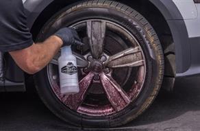 Kola a pneumatiky