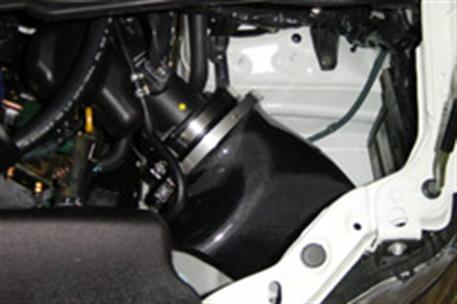 GruppeM carbonové sání pro Nissan Elgrand MNE51 4WD