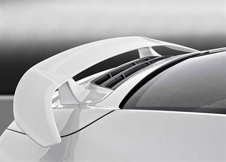 Caractere Exclusive zadní křídlo s brzdovým světlem a žebrováním víka motoru pro Porsche 991