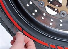 Samolepící linka na obvod kola Foliatec RACING - červená