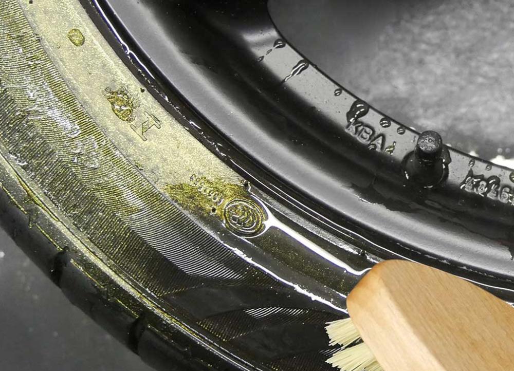 Foliatec sprej na pneumatiky Magic gold, 400 ml
