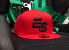 Kšiltovka Escape6 červená s plastickým černým 3D logem E6