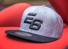 Kšiltovka Escape6 šedo-černá s plastickým 3D logem E6