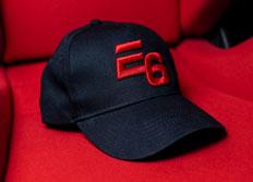 Kšiltovka se zahnutým kšiltem Escape6 černá s plastickým červeným 3D logem E6