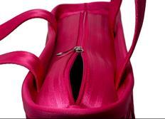 Raemco Dámská kabelka vyrobená z bezpečnostních pásů, růžová, menší