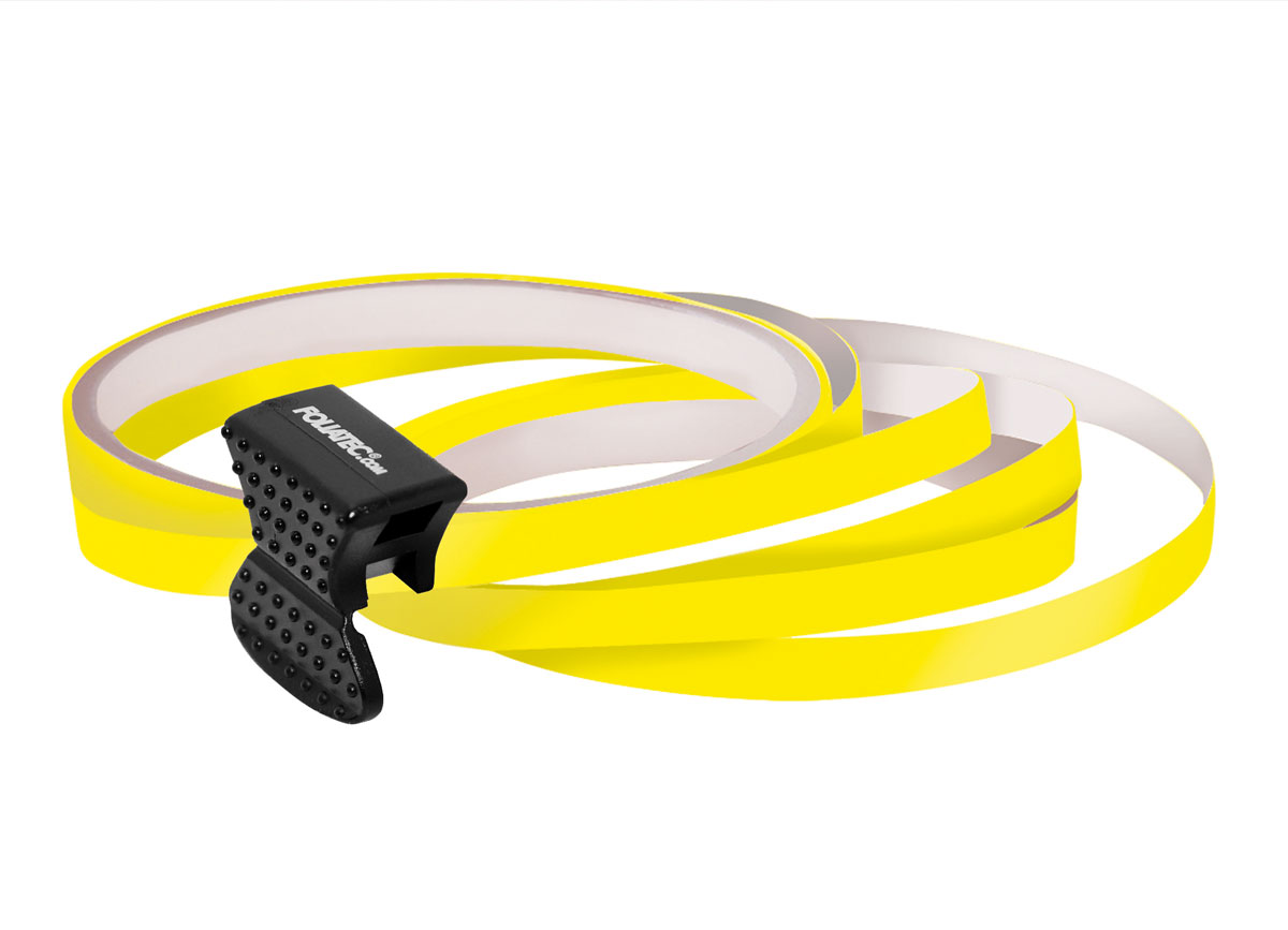 Samolepící linka na obvod kola Foliatec - žlutá