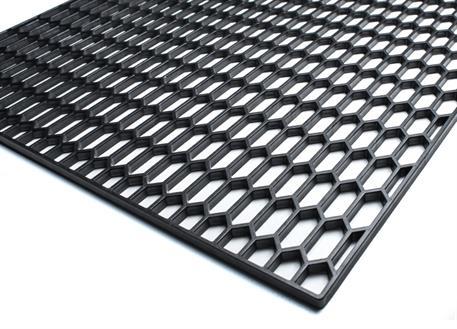 Plastový tahokov 120x40cm s velkými plástvemi 30x12mm - černý