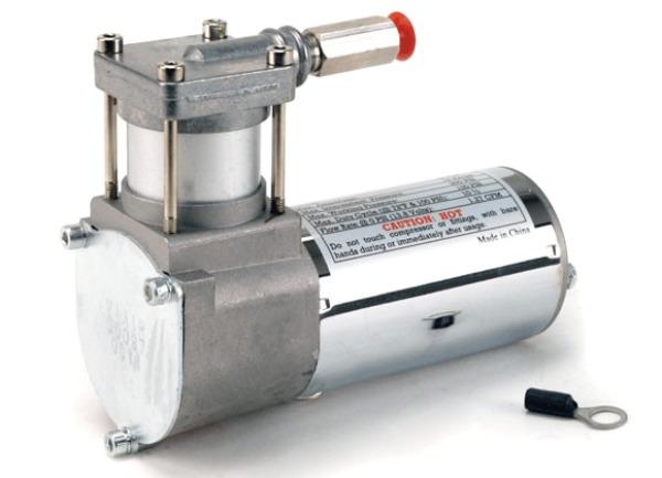 VIAIR vzduchový kompresor 97C Chrom, max. tlak 8,9 bar (130 PSI), napětí: 12 V