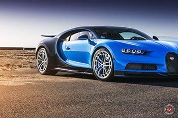 Bugatti Chiron na kolech Vossen Forged LC2-C1