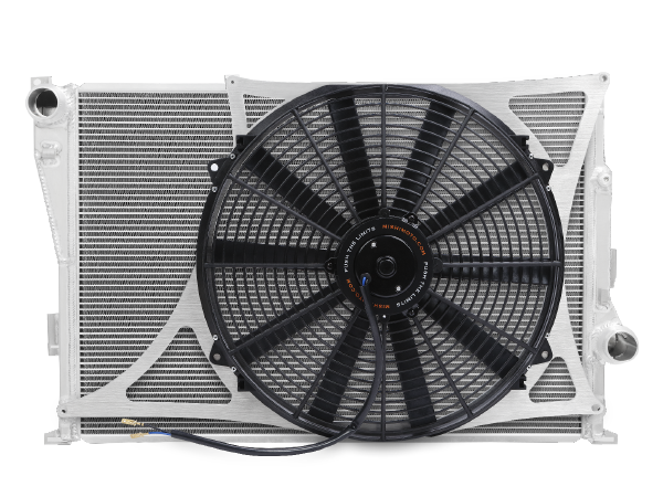 Mishimoto ventilátorová stěna pro použití s OEM nebo závodním chladičem