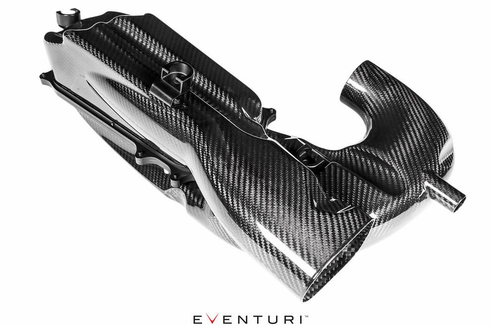 Držáky karbonových airboxů Eventuri pro Mercedes-Benz C63S AMG