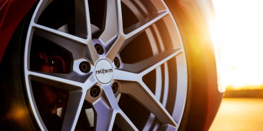 ALU kola Rotiform FLG na voze VW Golf GTI