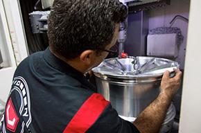Výroba kovaných kol Vossen - finální opracování